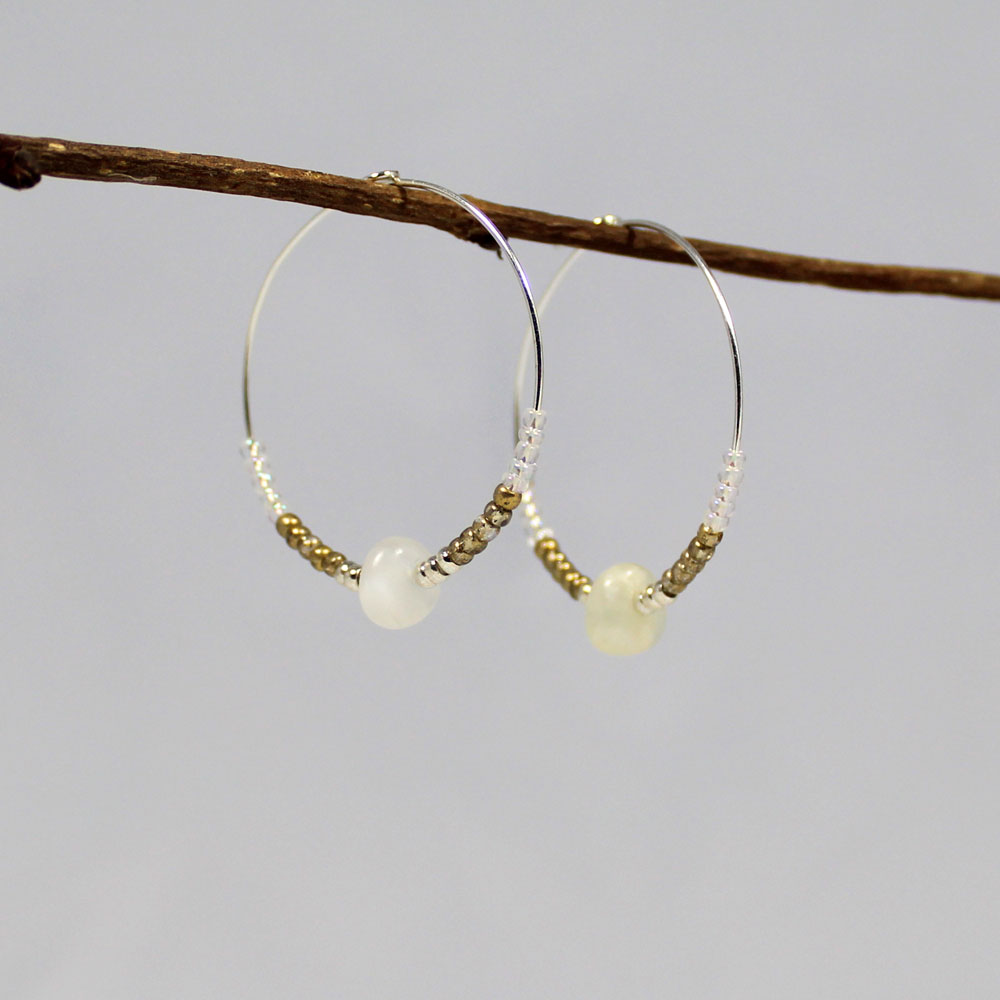 oorbellen creolen maansteen zilver