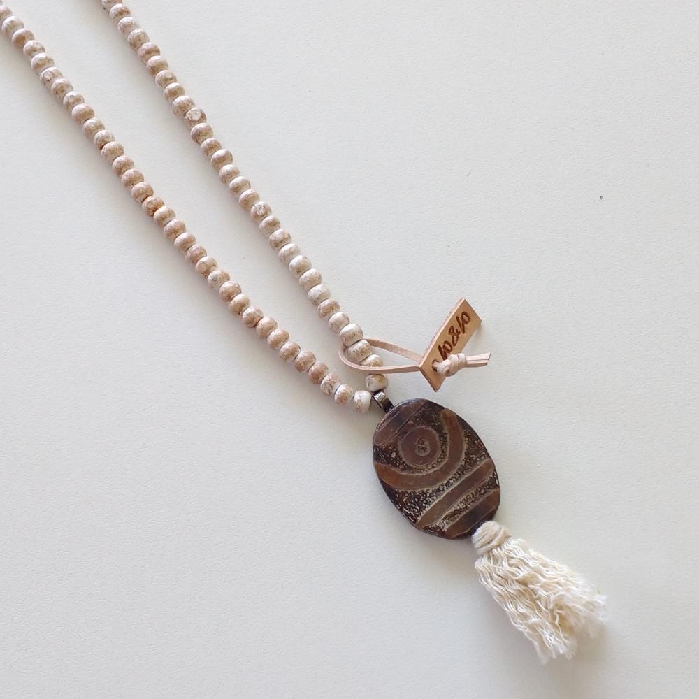 ketting amulet bruin