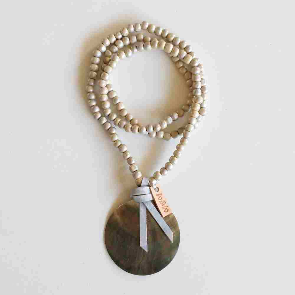 ketting mother of pearl houten kralen