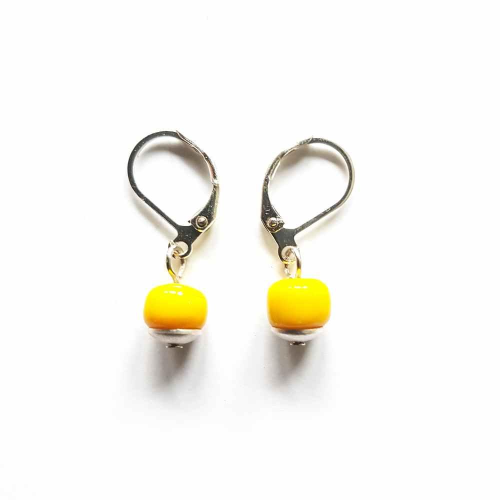 oorbellen geel zilver kraal
