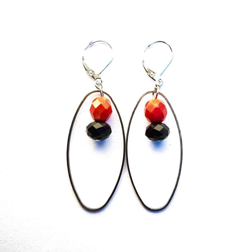 oorbellen-zwart-rood-franse- oorhaakjes