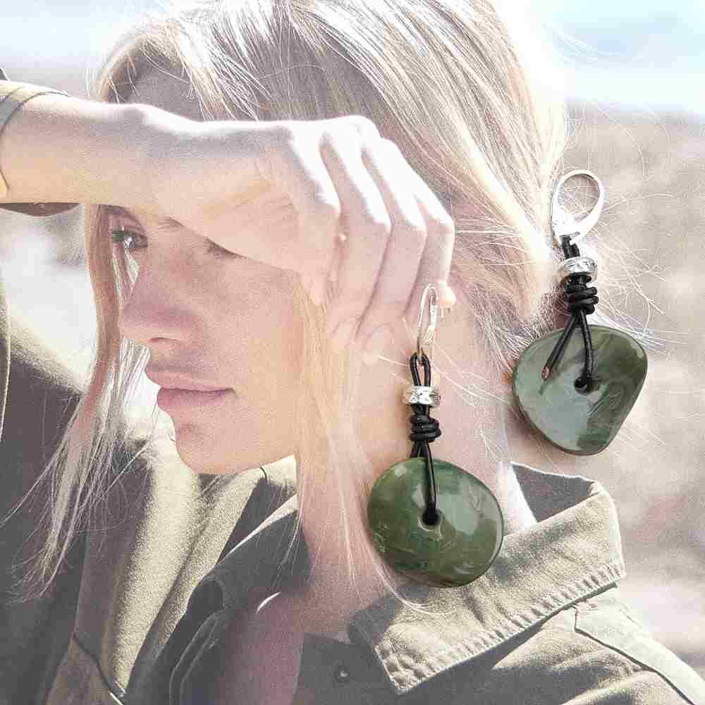 oorbellen groen zwart leer